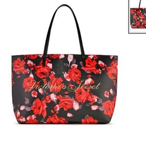 NEW VS Victoria's Secret 2019 Holiday Logo Tote